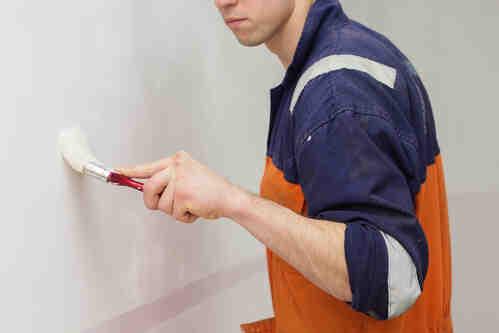Comment repeindre un morceau de mur ?